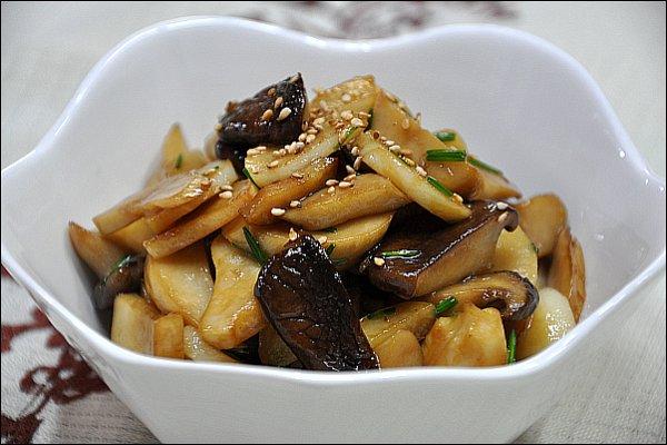 ♬ 10분요리, 쫄깃한 새송이버섯 마늘편볶음