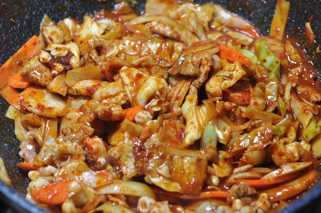 [쭈꾸미 볶음 요리법] 쭈꾸미와 삼겹살의 조화, 쭈삼볶음 !!